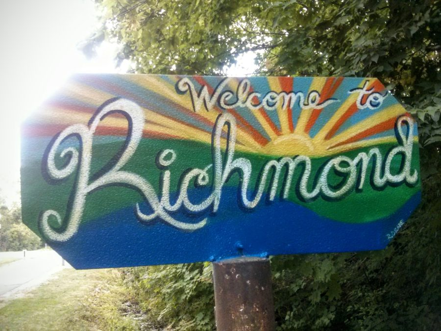 colorful welcome to richmond sign