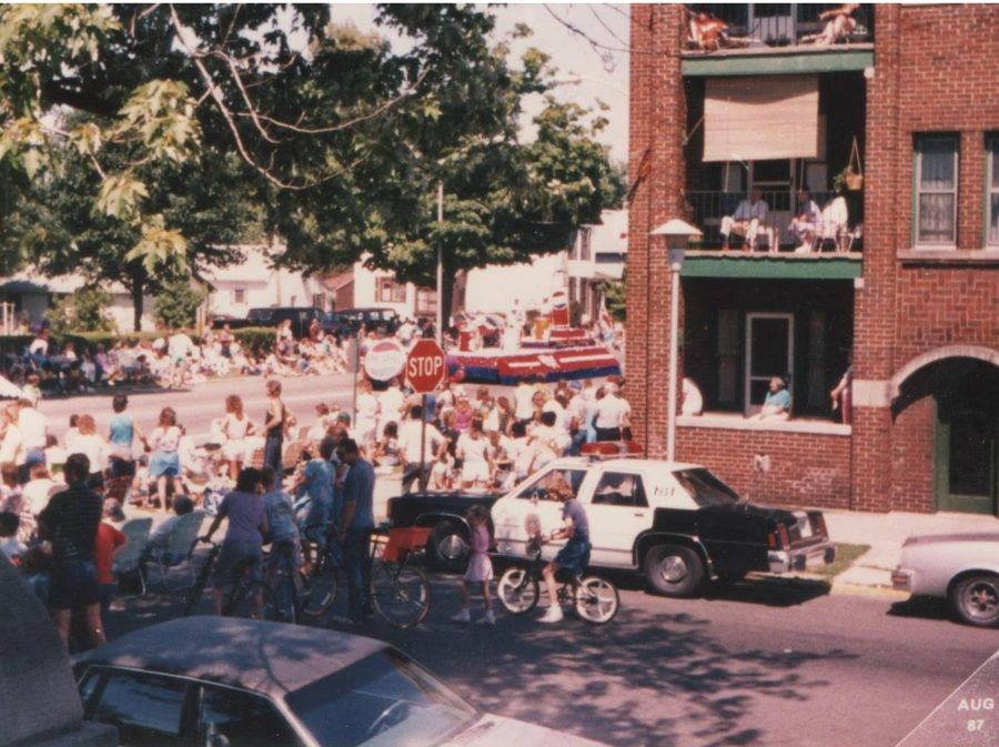 Parade crowds at the Richmond Area Rose Festival, 1987