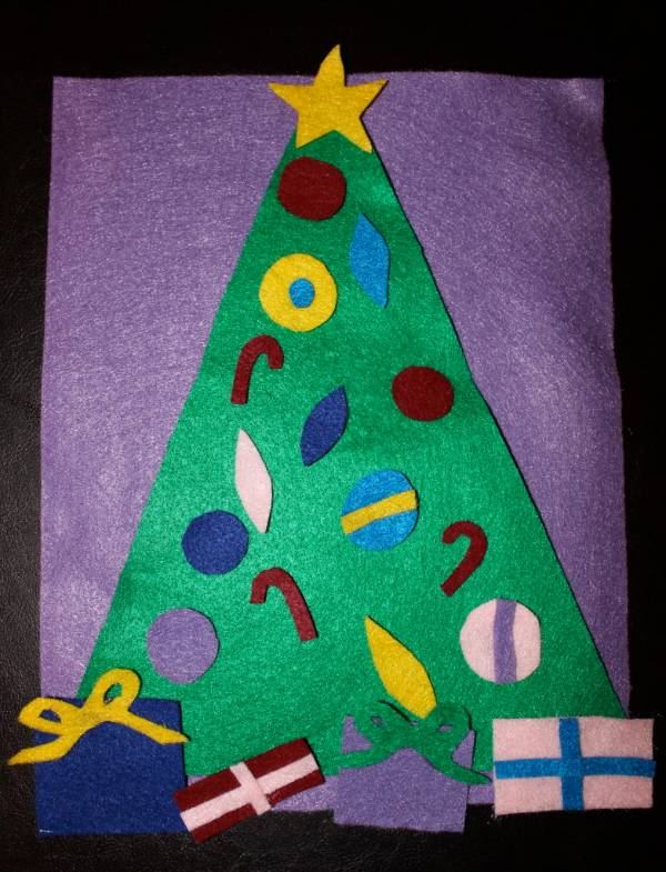 felt christmas tree easy activity for toddlers and preschoolers