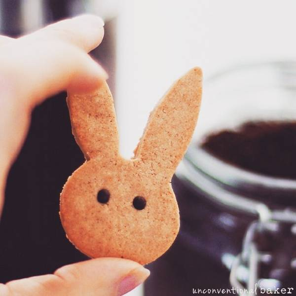 cinnamon bunny cookies vegan Easter treat